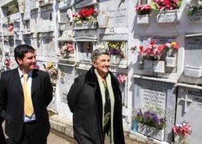 Cementerio santa in s celebra sus 100 a os el martutino for Cementerio jardin del mar